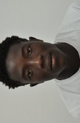 Zakaria Suraka(19)