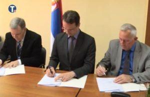 Potpisivanje-sporazuma-620x400